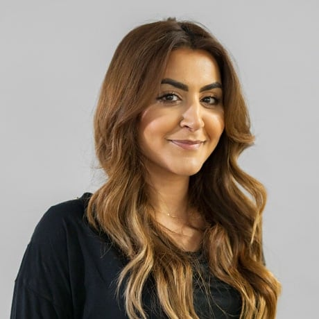 Amna Haq: Stickyeyes Assistant Management Accountant